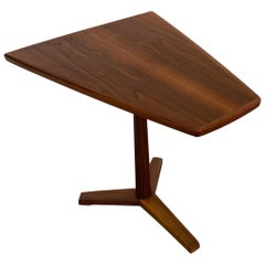 Dux Accent Table