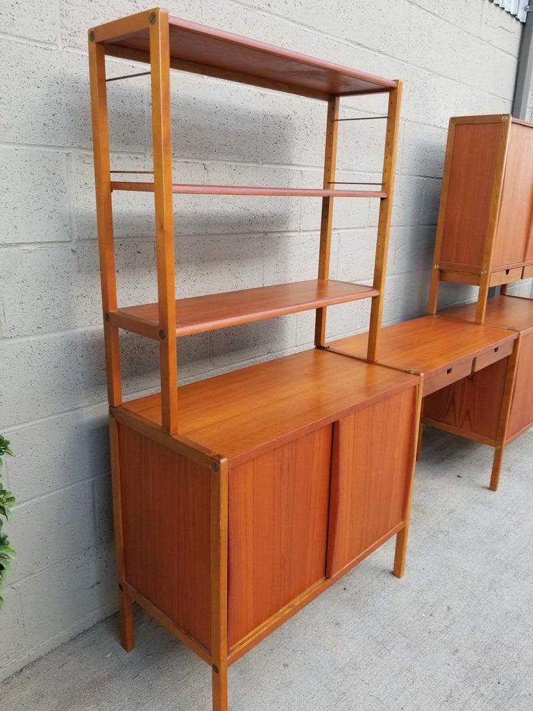 Dux Teak Danish Modern Storage / Shelf / Wall Unit In Good Condition For Sale In Fulton, CA