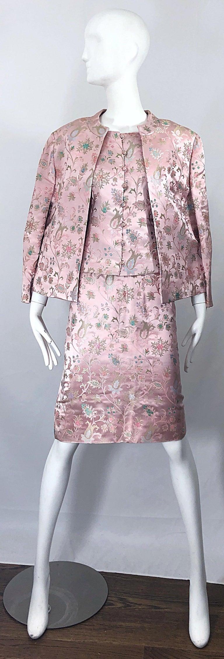 Dynasty 1960s For Lord & Taylor Light Pink Large Size 3 Piece Vintage Dress Set For Sale 15