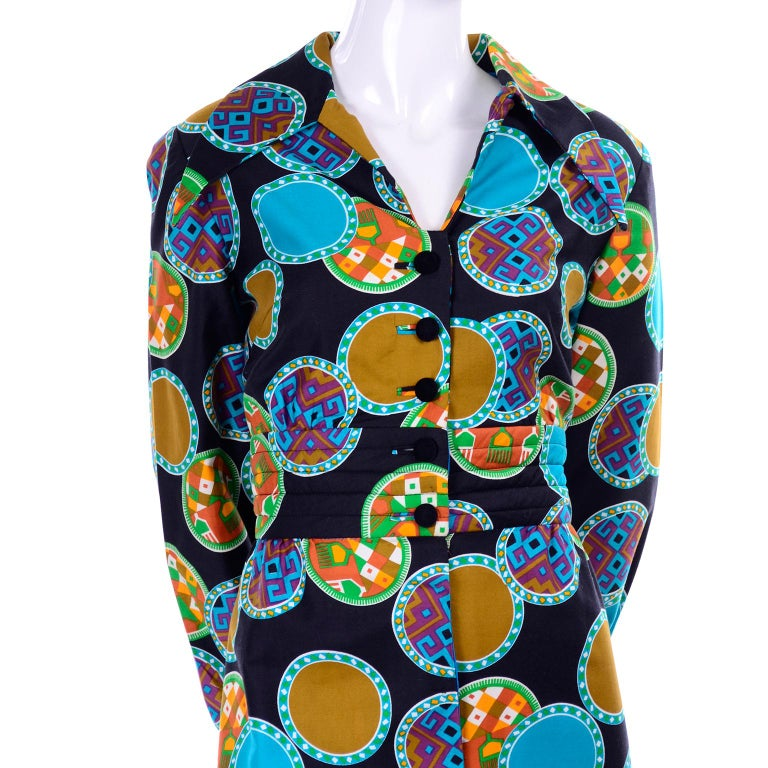 Dynasty Vintage Maxi Dress in Colorful Medallion Print With Pockets For Sale 2