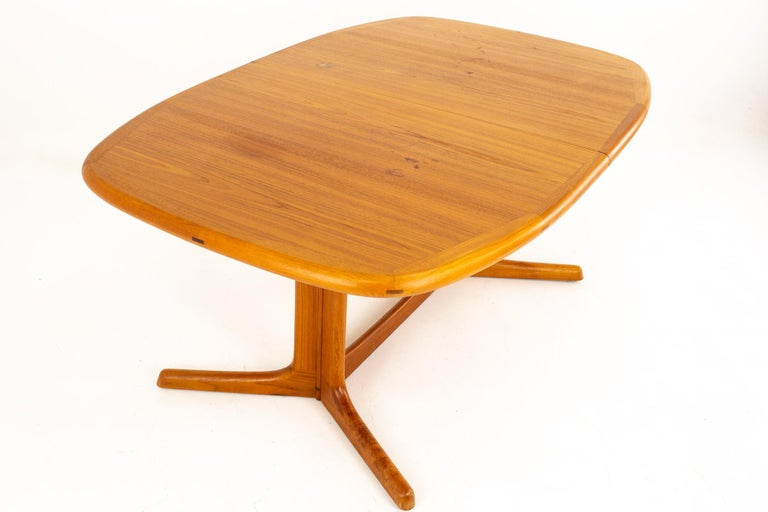 Dyrlund Mid Century Hidden Leaf Teak Dining Table In Excellent Condition For Sale In La Grange, IL