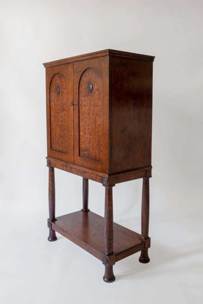 E. Pettersson, Rare Swedish Grace Period Quilted Birch Cabinet on Stand In Good Condition For Sale In Philadelphia, PA
