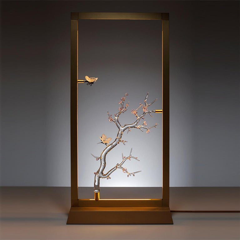 A series of installations for table, wall or ceiling: light creations designed as the luminous transposition of Sumi-e, the delicate paintings of the Japanese tradition. A collection composed of unique pieces which immortalize various scenes from