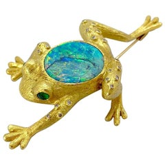 E. Wolfe & Co 18kt Gold Frog Brooch with 9.60ct Black Opal, Diamonds & Emeralds