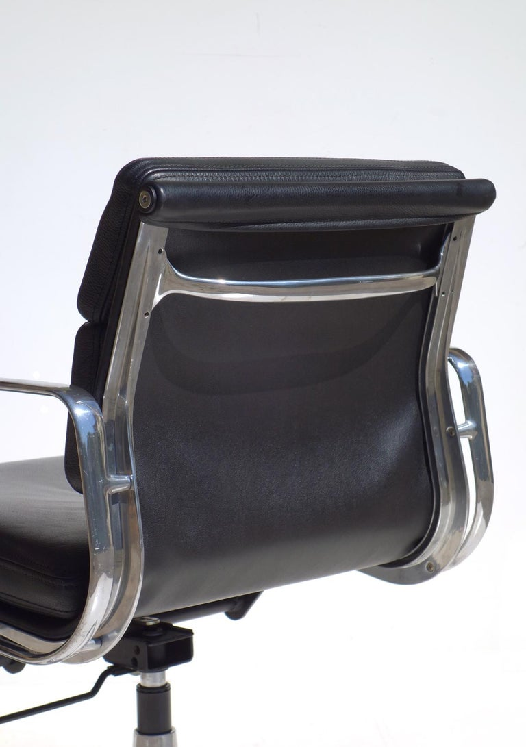 Late 20th Century EA 217 Charles Eames by ICF Soft Pad Black Leather Desk Chair For Sale