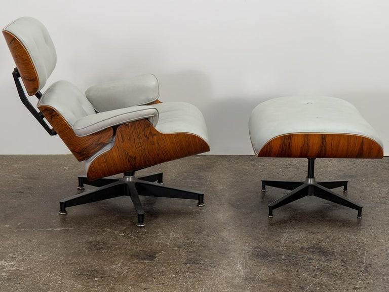 Mid-Century Modern Eames 670 Lounge Chair and 671 Ottoman For Sale