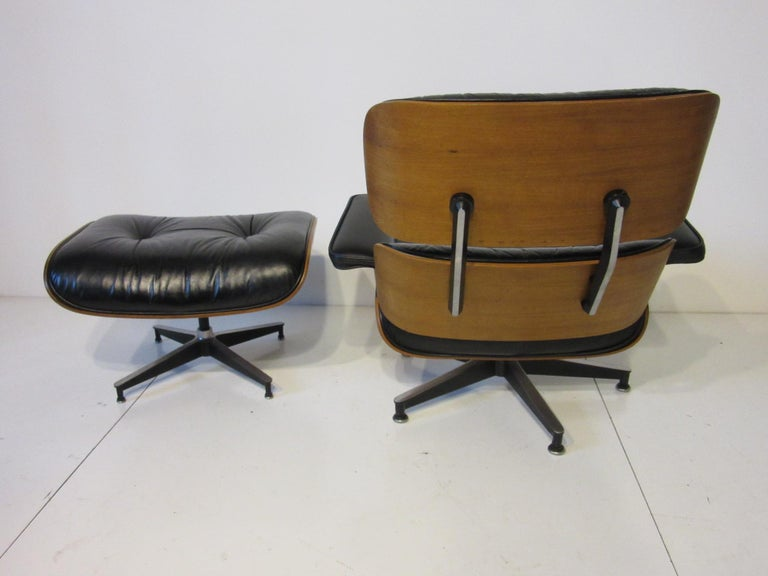 American Eames 670 Lounge Chair with Ottoman by Herman Miller For Sale