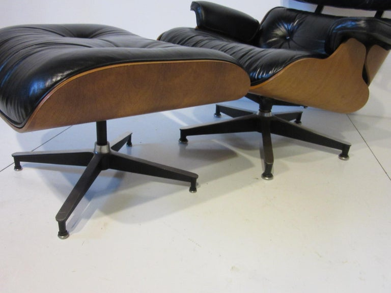 Eames 670 Lounge Chair with Ottoman by Herman Miller In Good Condition For Sale In Cincinnati, OH