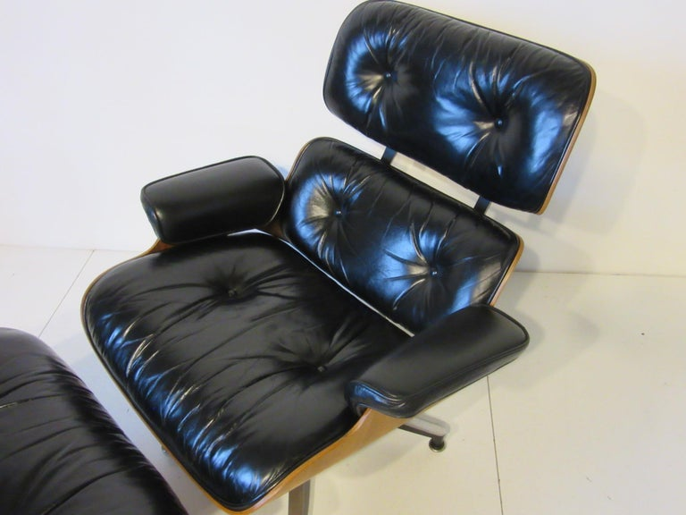 20th Century Eames 670 Lounge Chair with Ottoman by Herman Miller For Sale