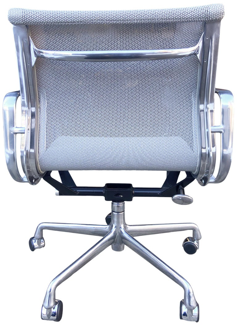 Eames Aluminum Group Chairs for Herman Miller For Sale 1