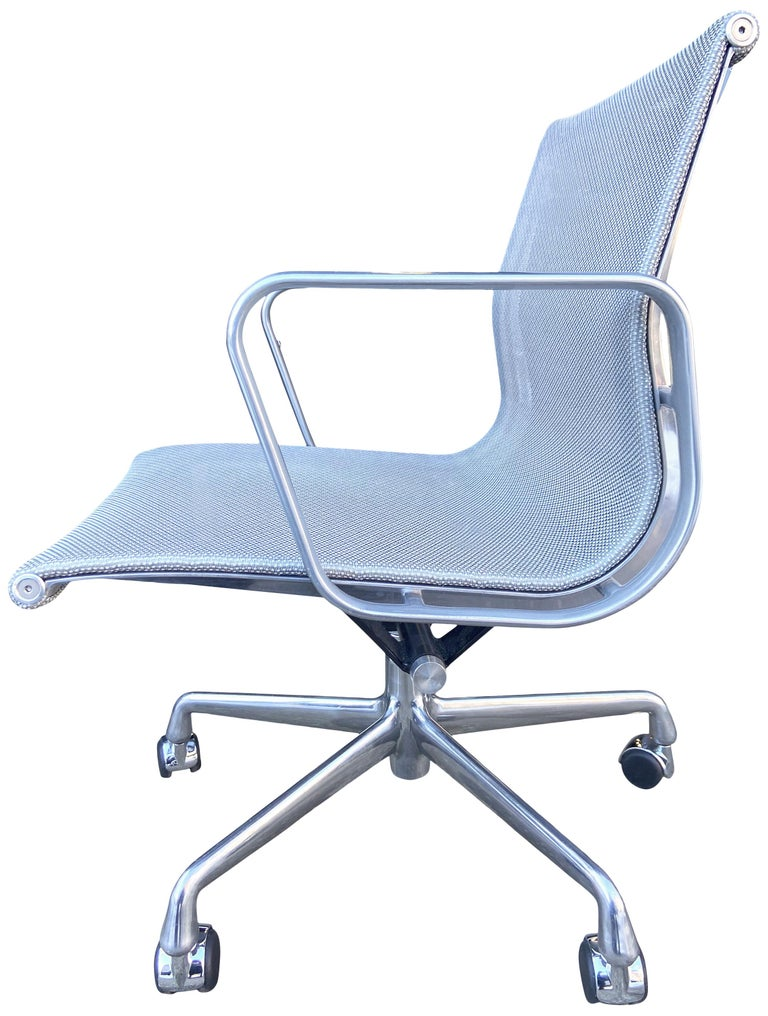 Eames Aluminum Group Chairs for Herman Miller For Sale 2