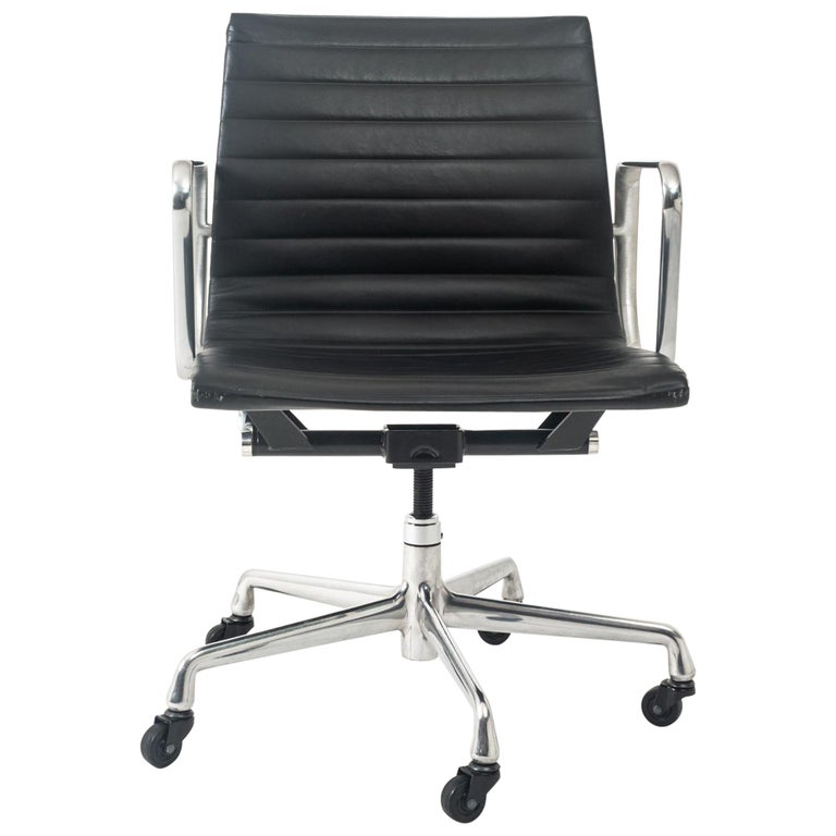 Eames Aluminum Group Leather Desk Chair For Sale
