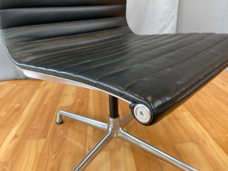 Eames Aluminum Group Side Chair, in Black Leather, 4 Star Base For Sale 9