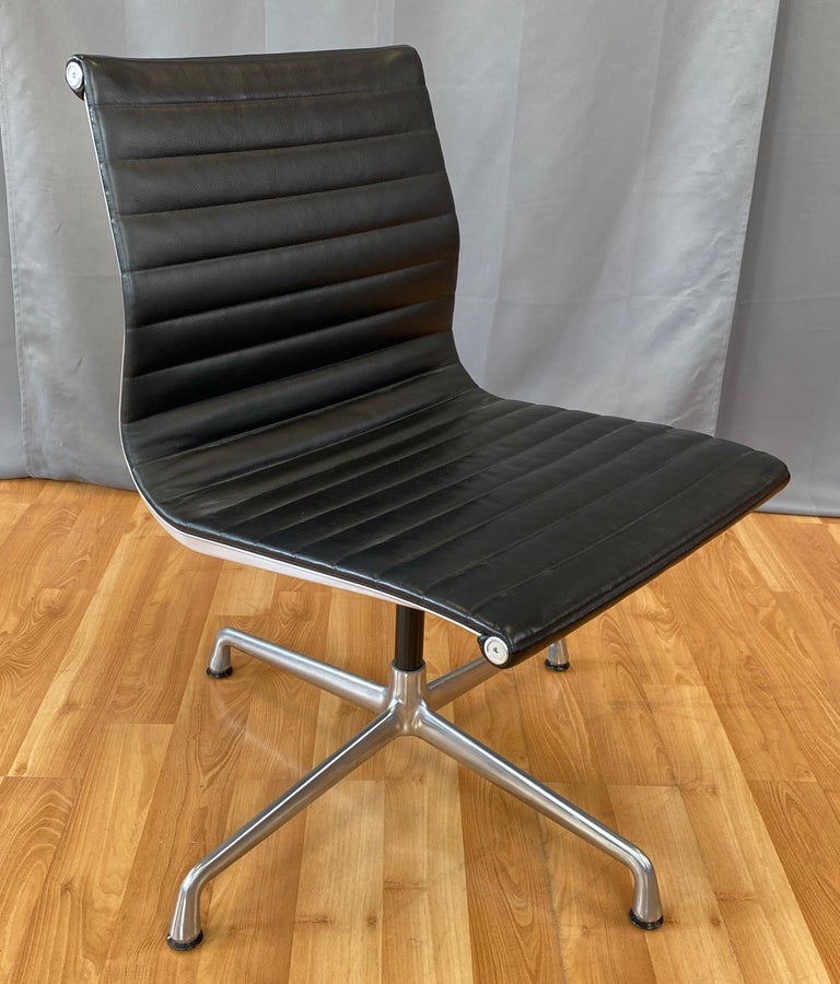 Eames Aluminum Group Side Chair, in Black Leather, 4 Star Base For Sale 12