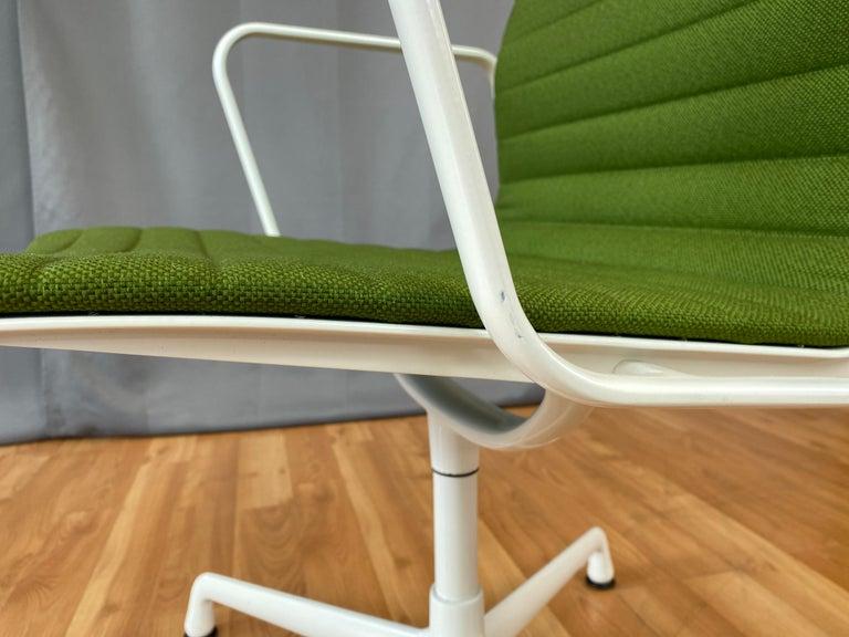 Eames Aluminum Group Side Chair, White Frame, Light Olive Green Upholstery For Sale 8
