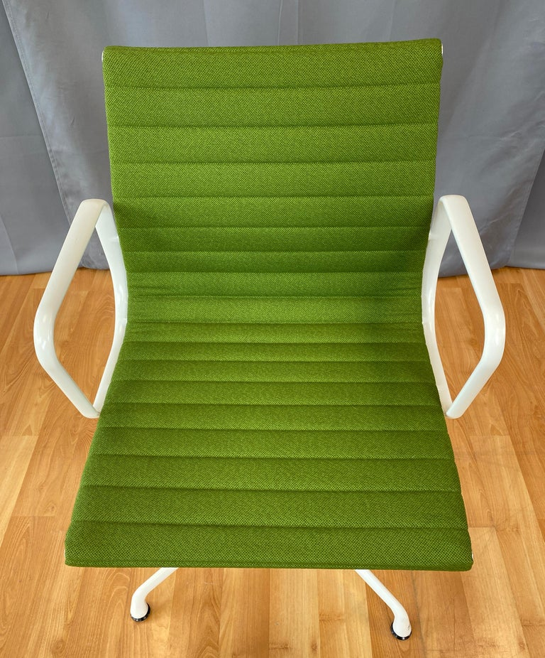 American Eames Aluminum Group Side Chair, White Frame, Light Olive Green Upholstery For Sale