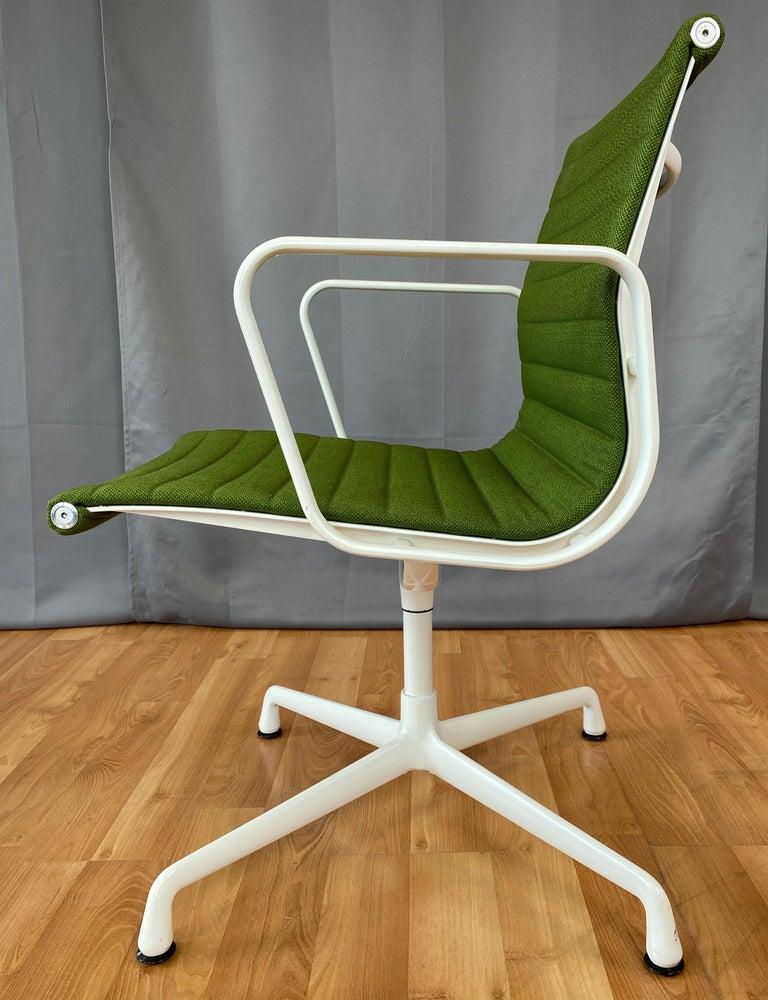 Eames Aluminum Group Side Chair, White Frame, Light Olive Green Upholstery For Sale 2
