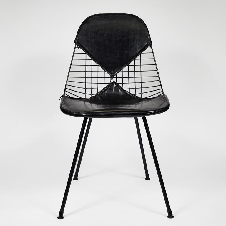 Eames Bikini Chairs In Good Condition For Sale In Los Angeles, CA