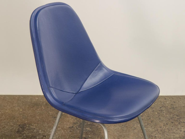 Eames Blue Padded Wire Shell Chair In Good Condition For Sale In Brooklyn, NY