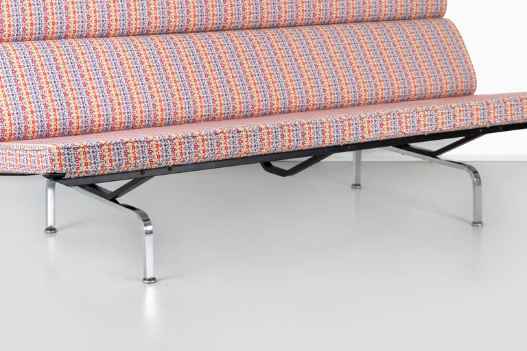 Eames Compact Sofa for Herman Miller with Alexander Girard Fabric For Sale 4