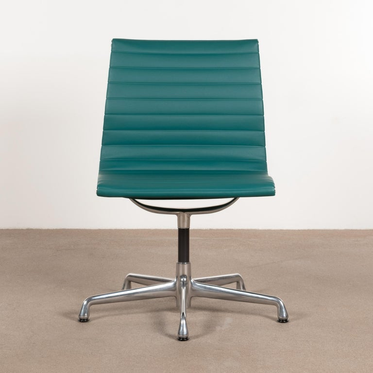 American Eames Conference Chair in Turquoise Vinyl for Herman Miller, USA For Sale