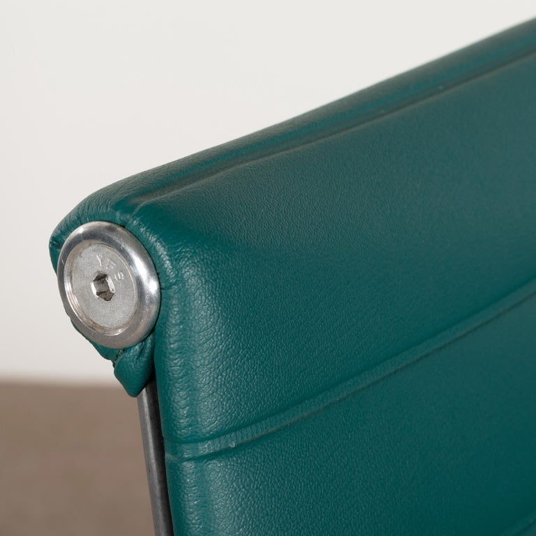 Eames Conference Chair in Turquoise Vinyl for Herman Miller, USA For Sale 1