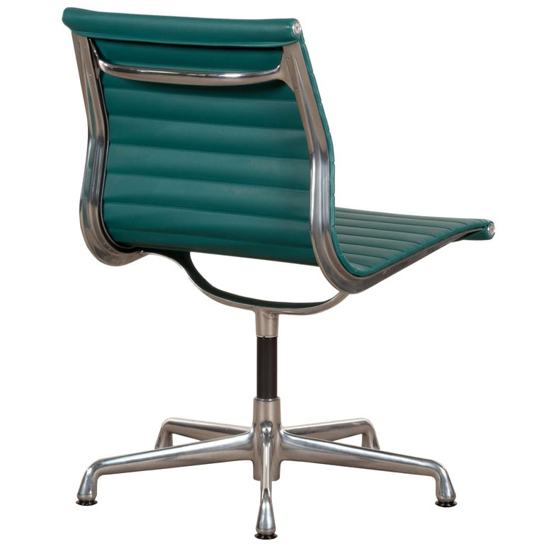 Eames Conference Chair in Turquoise Vinyl for Herman Miller, USA For Sale