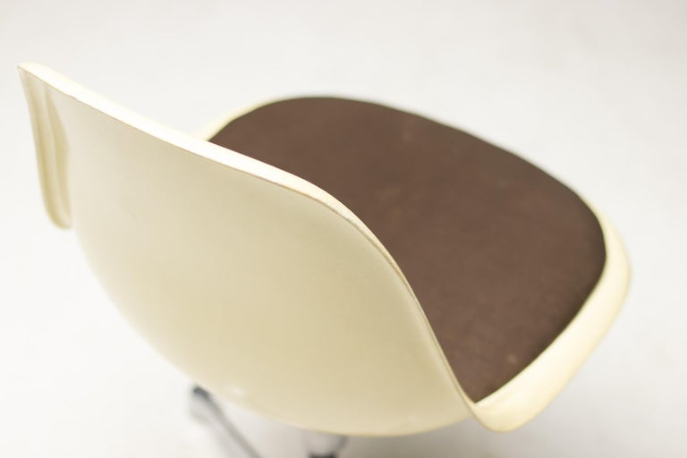American Eames Contract Base Desk Chair For Sale