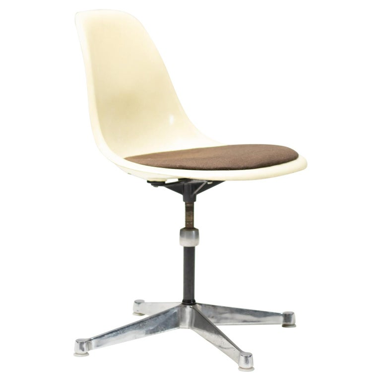 Eames Contract Base Desk Chair For Sale