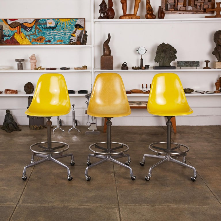 Mid-Century Modern Eames Drafting Stools for Herman Miller For Sale