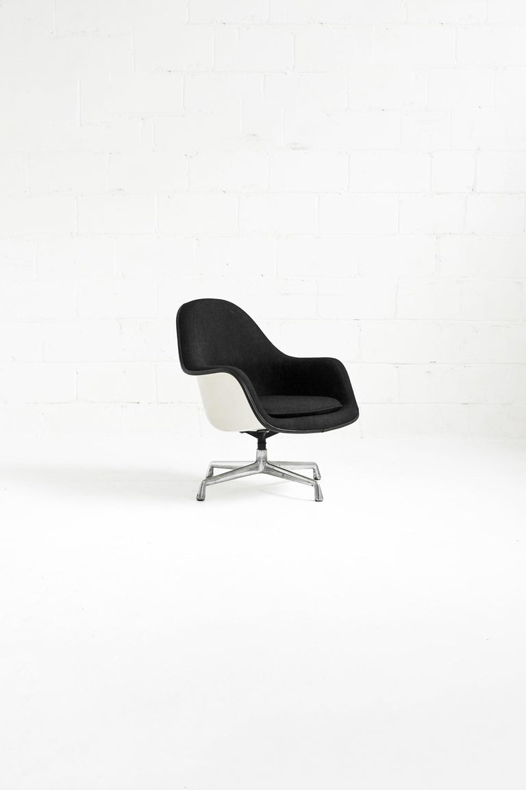 Eames EA178 Loose Cushion Armchair for Herman Miller For Sale 6