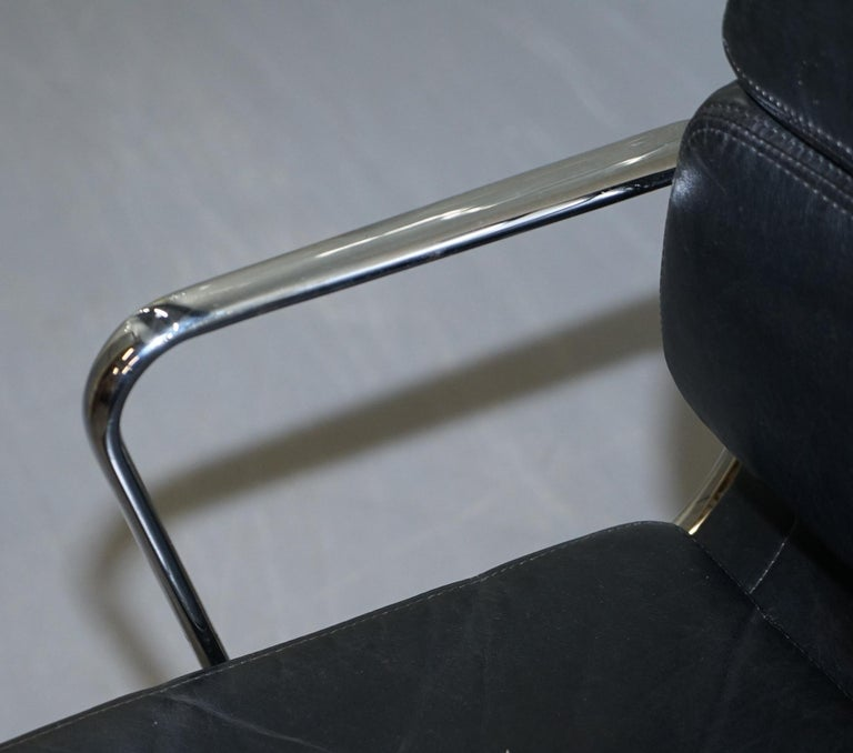 Eames EA219 Vitra Eames High Soft Pad Office Armchair Black Leather In Good Condition In London, GB