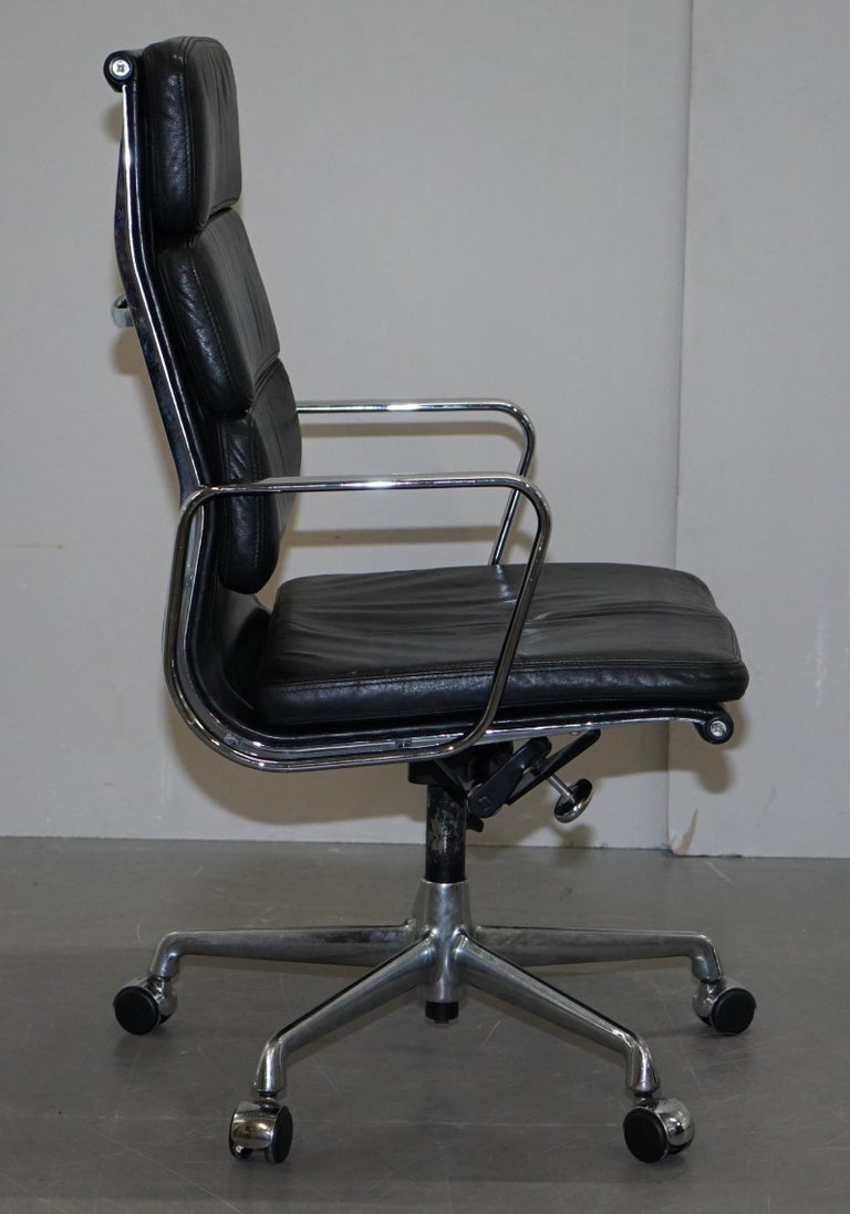 Eames EA219 Vitra High Back Soft Pad Office Armchair Black Leather For Sale 6