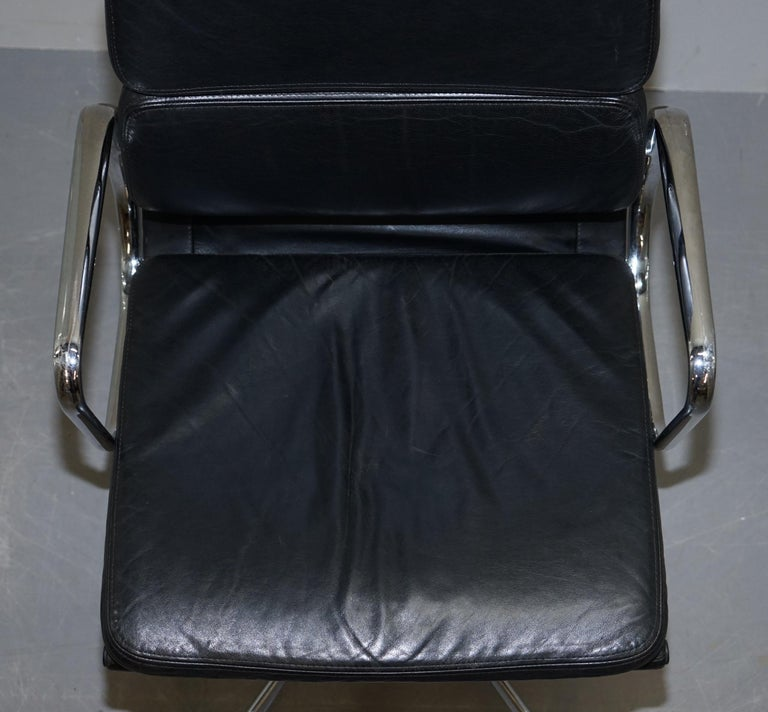 Eames EA219 Vitra High Back Soft Pad Office Armchair Black Leather In Good Condition For Sale In London, GB