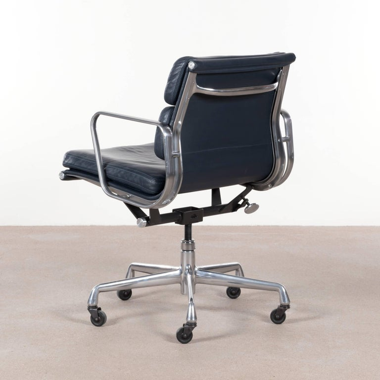 Eames EA435 Dark Blue Management Soft Pad Office Chair By