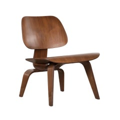 Eames Early LCW Walnut Lounge Chair for Herman Miller