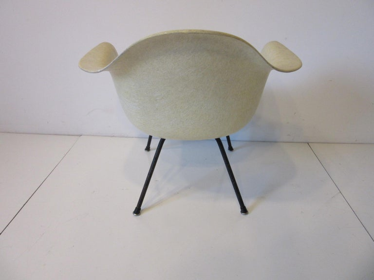 American Eames Early Shell Chair Lounge Height for Herman Miller For Sale