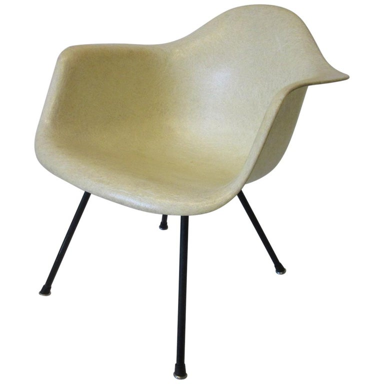 Eames Early Shell Chair Lounge Height for Herman Miller For Sale