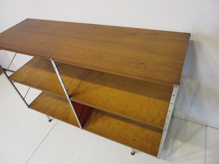Eames ESU 200- C 'Eames Storage Unit' for Herman Miller In Good Condition For Sale In Cincinnati, OH