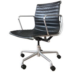 Eames for Herman Miller 50th Anniversary Aluminum Group Management Chair (A)