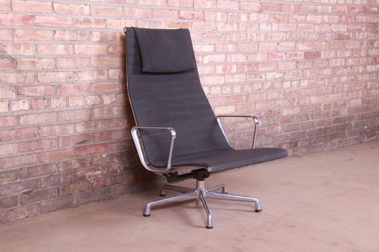 Contemporary Eames for Herman Miller Aluminum Group Lounge Chair For Sale