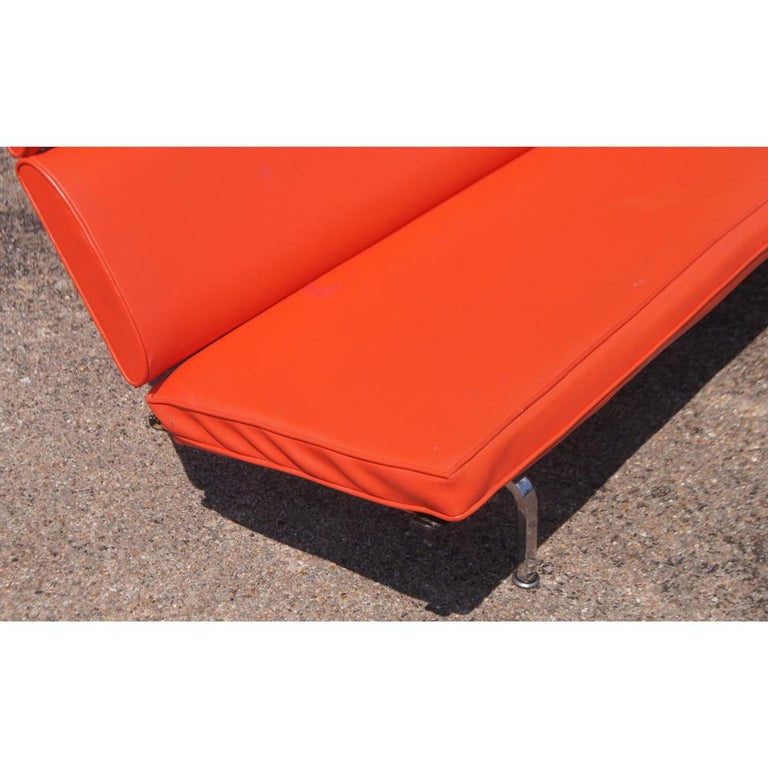 Charles Eames for Herman Miller Compact Sofa In Good Condition For Sale In Pasadena, TX
