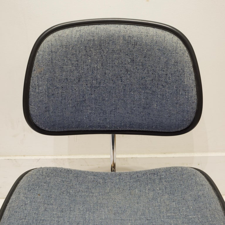 Eames for Herman Miller EC-127 DCM Padded Chair, circa 1970-1988 For Sale 3