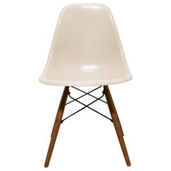 Eames for Herman Miller Fiberglass Shell Chair in Light Grey, circa 1950s