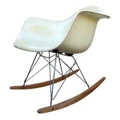 Eames für Herman Miller Zenith Schaukelstuhl RAR Iconic Mitte des Jahrhunderts