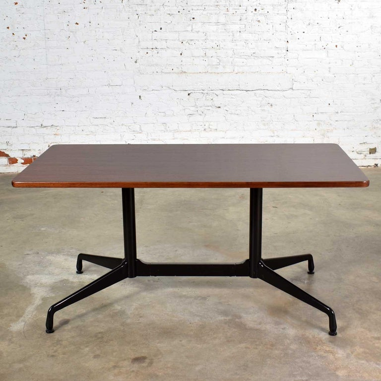 Eames Herman Miller Aluminum Group Conference or Dining Table Rosewood and Black For Sale 4