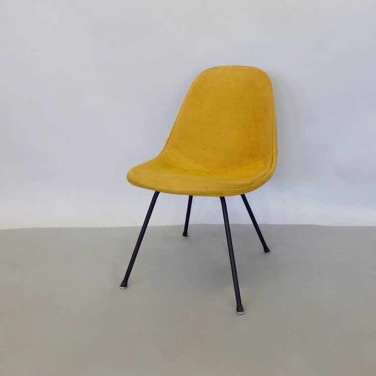Mid-Century Modern Eames Herman Miller DKR Chair on Early Production Low X-Base For Sale