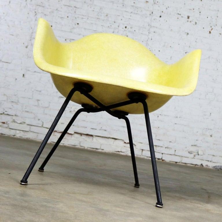 Eames Herman Miller LAX Fiberglass Arm Shell Chair X Base Zenith Rope Edge For Sale 3