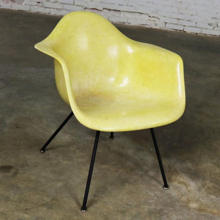 Mid-Century Modern Eames Herman Miller LAX Fiberglass Arm Shell Chair X Base Zenith Rope Edge For Sale