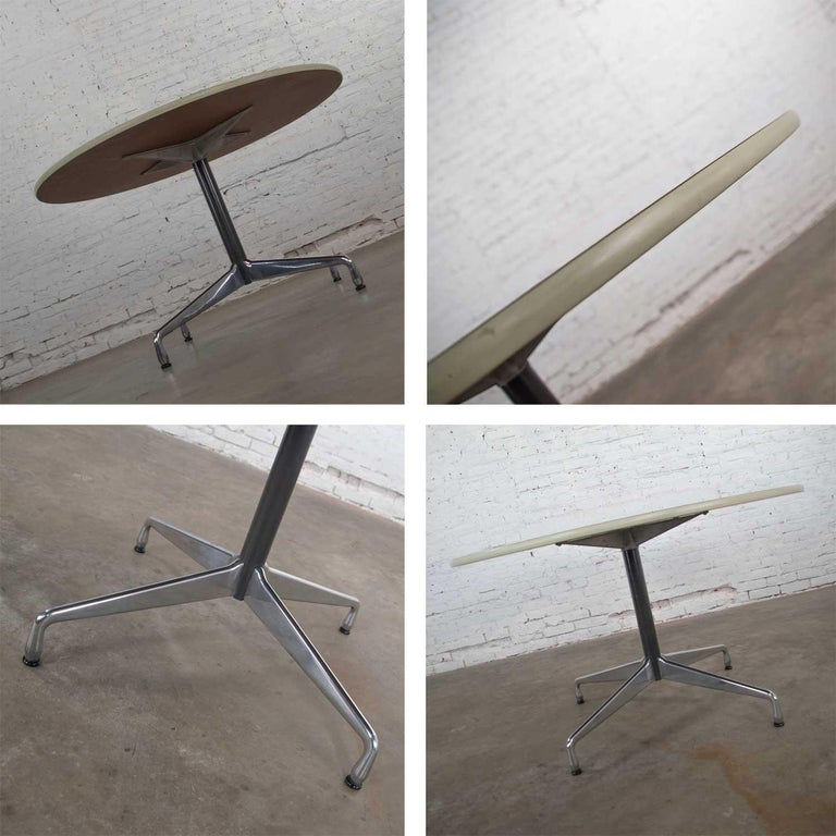 Eames Herman Miller Round Table Universal Base Wood Grain Laminate Top For Sale 4